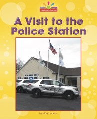 A Visit to the Police Station - eBook-Library